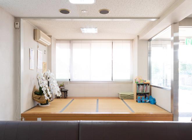 橋本胃腸科内科 待合室 畳スペース